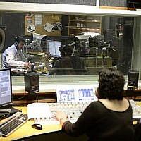 Les studios de la radio de l'armée à Jaffa, le 27 mars 2014. (Tomer Neuberg / Flash 90)
