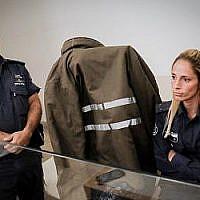 Ina Skivenko, enseignante dans un jardin d'enfants, soupçonnés d'être à l'origine de la mort de Yasmin Vinta, 14 mois, dans une crèche de Petah Tikva, lors d'une audience de la cour de Petah Tikva, le 3 juin 2018 (Crédit Roy Alima/Flahs90)