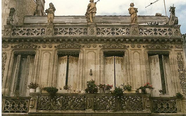 Façade Maison-137 rue Pierre Loti à Rochefort (Autorisation : Serge Lacotte/Wikimedia Commons)