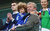 Le propriétaire du club de Chelsea Roman Abramovich au stade Stamford Bridge le 3 mai 2015. (Crédit : Photo by Clive Mason/Getty Images)