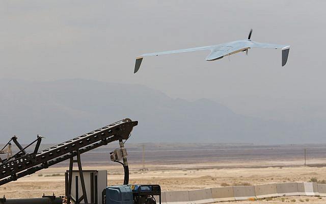 L'Israel Aerospace Industries (IAI) a associé le drone BirdEye 650D (ci-dessus) à un robot sol, le RoBatte UGV, pour obtenir une produit hybride aux capacité sol-air. (Autorisation)