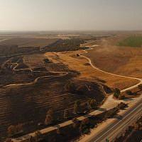 Vue d'une partie du territoire israélien incendié par des cerfs-volants et des ballons incendiaires lancés par des Palestiniens de Gaza depuis le 18 juin 2018. (Eshkol Security)