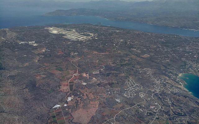 Vue de la Grèce depuis un avion de l'armée de l'air israélienne participant à un exercice aérien au-dessus de la nation européenne en juin 2018. (Armée israélienne)