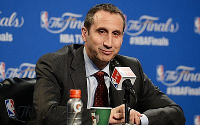 L'entraîneur de basket-ball américano-israélien David Blatt. (Capture d'écran SPORTINGNEWS.COM)