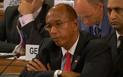 L'ambassadeur américain Robert Wood à la Conférence pour le désarmement à Genève. (Crédit : capture d'écran Youtube)