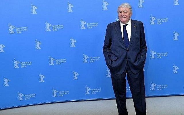 Dans cette photo prise le 14 février 2013, le documentariste et producteur français Claude Lanzmann pose lors de la 63e Berlinale Film Festival à Berlin. (Crédit : AFP / GERARD JULIEN)