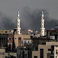 Vue sur Gaza City, le 20 juillet 2018. (Crédit : AFP / MAHMUD HAMS)