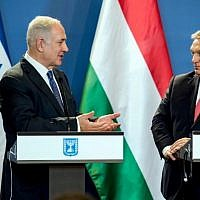 Le Premier ministre Benjamin Netanyahu (G) et son homologue hongrois Viktor Orban donnent une conférence de presse conjointe au Parlement de Budapest, Hongrie, le 18 juillet 2017 (AFP PHOTO / HUNGARIAN PRIME MINISTER'S OFFICE AND POOL / KAROLY ARVAI).