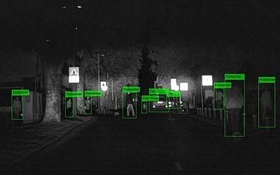 La technologie de vision nocturne de BrightWay Vision permet aux automobilistes de détecter des objets et des personnes dans un rayon d'au moins 250 mètres (Autorisation).
