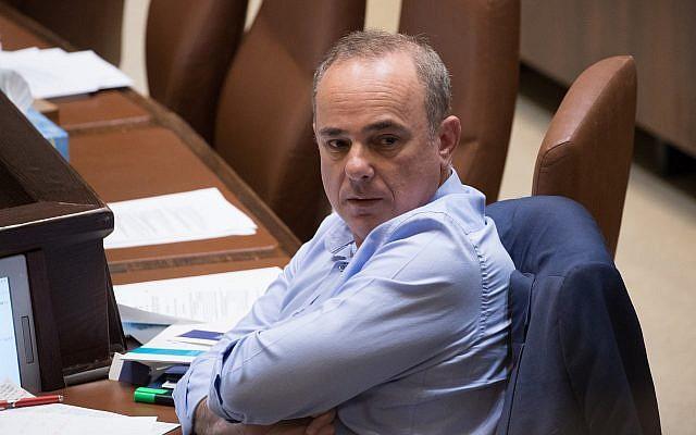 Le ministre de l'Energie Yuval Steinitz assiste à une session plénière à la Knesset à Jérusalem, 23 mai 2018. (Crédit : Yonatan Sindel / Flash90)