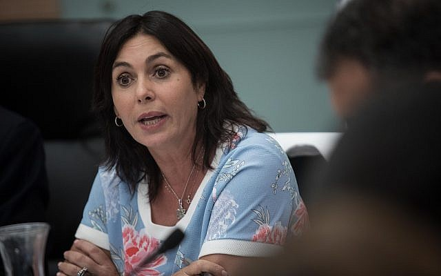 La ministre de la Culture et des Sports Miri Regev assiste à une réunion de la Commission de la Culture, des Sports et de l'Education à la Knesset, le 2 juillet 2018. (Hadas Parush/Flash90)