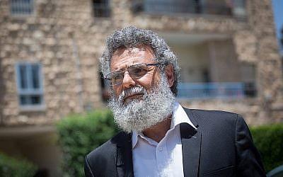 Le rabbin massorti Dov Haiyun arrive à la résidence du Président le 19 juillet 2018. Haiyun avait été arrêté par la police tôt ce matin-là (Miriam Alster/FLASH90).