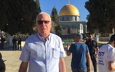 Le ministre de l'Agriculture Uri Ariel visite le mont du Temple à Jérusalem le 8 juillet 2018 (Autorisation)