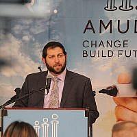 Le rabbin Zvi Gluck, cofondateur d'Amudim, qui s'attaque aux addictions et aux violences sexuelles au sein de la communauté juive (Autorisation)