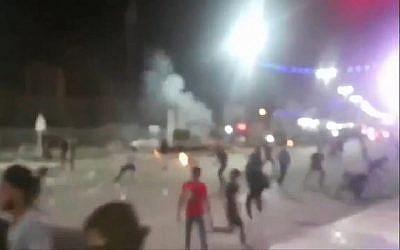 Capture d'écran d'une vidéo montrant une manifestation contre la pénurie d'eau en Iran (Capture d'écran : Twitter)
