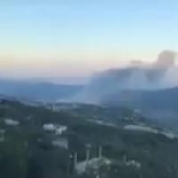 Capture d'écran d'une vidéo censée montrer les conséquences d'une frappe israélienne présumée sur un centre de recherche dans la région de Masyaf, au nord-ouest de la Syrie, le 22 juillet 2018. (Capture d'écran : Twitter)