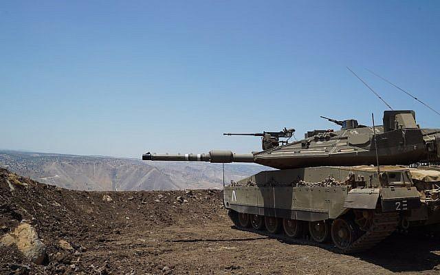 Un tank de l'armée israélienne déployé sur le plateau du Golan, à proximité de la frontière syrienne, le 1er juillet 2018 (Crédit: Armée israélienne)
