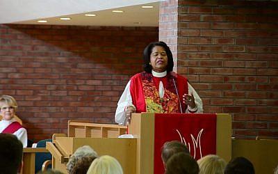 L'évêque Gayle E. Harris du Massachusetts. (Capture d'écran YouTube)