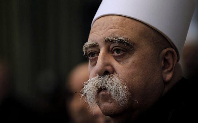 Le chef de la communauté druze en Israël,  Sheikh Moafaq Tarif, lors d'une cérémonie organisée au tombeau de Nebi Shueib, dans le nord d'Israël, le 25 avril 2018 (Crédit :  AFP Photo Jalaa/Marey)