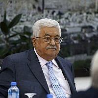 Le président palestinien Mahmoud Abbas préside une réunion du comité exécutif de l'Organisation de libération de la Palestine (OLP) au siège de l'Autorité palestinienne à Ramallah, en Cisjordanie, le 15 septembre 2018. (AFP / Abbas Momani)