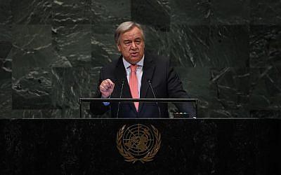 Antonio Guterres, secrétaire-général des Nations unies, s'exprime durant le débat général de la 73ème session de l'Assemblée générale des Nations unies à New York, le 25 septembre 2018 (Crédit :   AFP PHOTO / TIMOTHY A. CLARY)