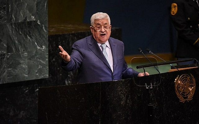 Le président de l'Autorité palestinienne, Mahmoud Abbas, prononce un discours à l'Assemblée générale des Nations Unies le 27 septembre 2018 à New York. (Crédit : Stephanie Keith / Getty Images / AFP)