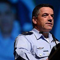 Le chef de l'armée de l'air israélienne, le général de division Amikam Norkin, s'exprime lors de la conférence de l'aviation israélienne à  Airport City,le 2 mai 2018 (Crédit :  Tomer Neuberg/FLASH90)
