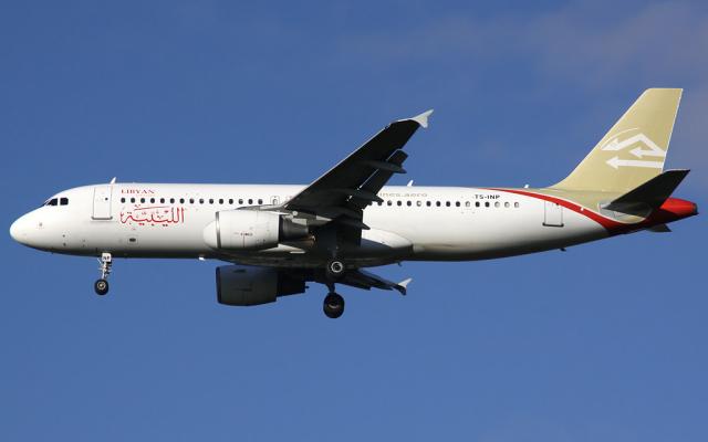 Un Airbus A320-200 de Libyan Airlines en 2012. (Crédit : Paul Spijkers via Wikimedia Commons)