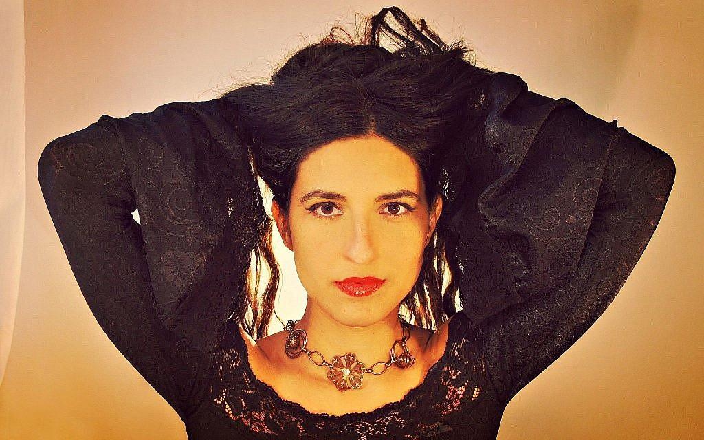 Noam Vazana a écrit son nouvel album   'Andalusian Brew' en Ladino. (Crédit : Asaf Lewkowitz/via JTA)