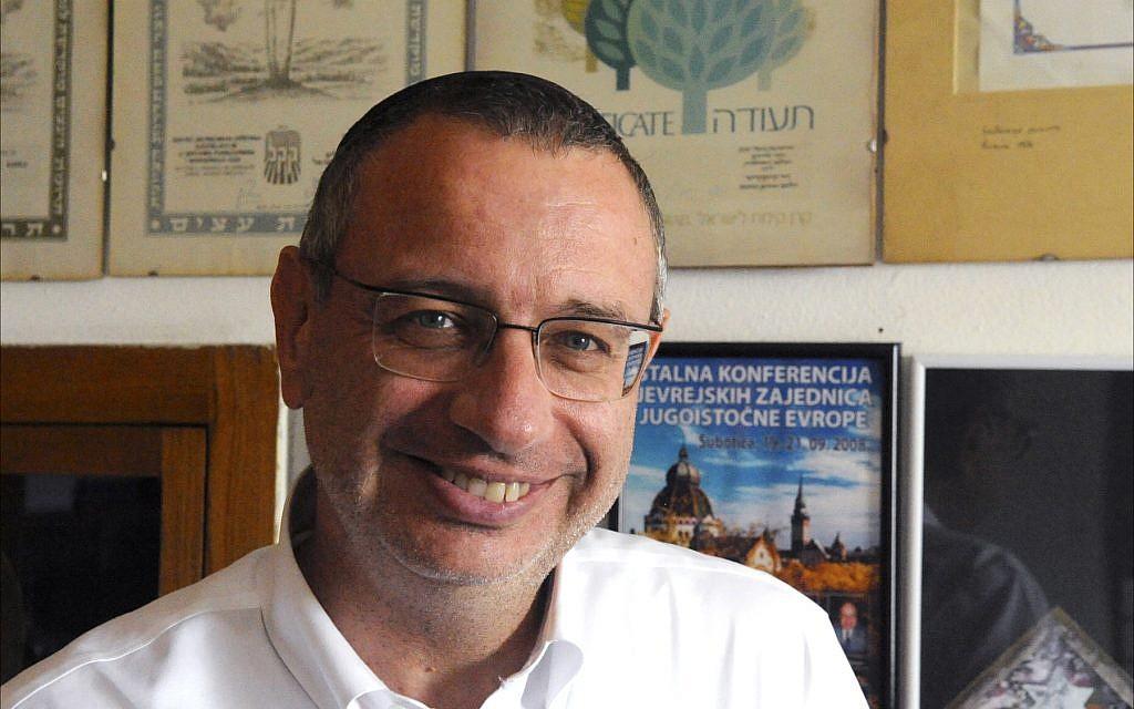Le rabbin Yitzhak Asiel, dont la congrégation, Sukat Shalom, est la seule synagogue juive en activité à Belgrade, juin 2018. (Larry Luxner/Times of Israel)