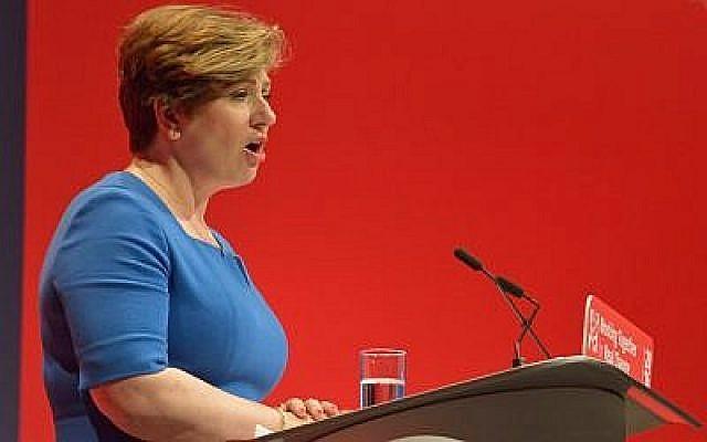 Emily Thornberry prononce un discours à la conférence du Labour de 2016. (CC BY-SA 4.0, Rwendland, Wikipedia)