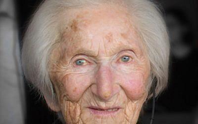 Hedi Fried, la survivante qui manifeste face aux néo-nazis suédois à 94 ans (Crédit: Wimimedia Commins/Frankie Fouganthin)
