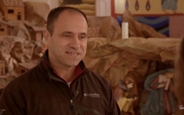 Shadi Khalloul veut créer une ville araméenne en Israël (Crédit: capture d'écran Passages/Youtube)