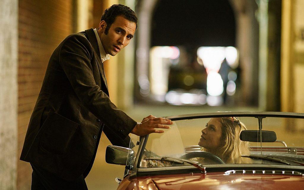 "Marwan Kenzari, (à gauche), et Hannah Ware dans ""The Angel"". Kenzari joue l'espion égyptien Ashraf Marwan. (Nick Briggs/Netflix)"