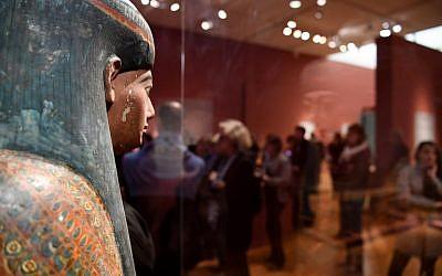 """L'exposition """"Servir les dieux d'Egypte, au musée de Grenoble, le 23 octobre 2018. (Crédit : JEAN-PIERRE CLATOT / AFP)"""