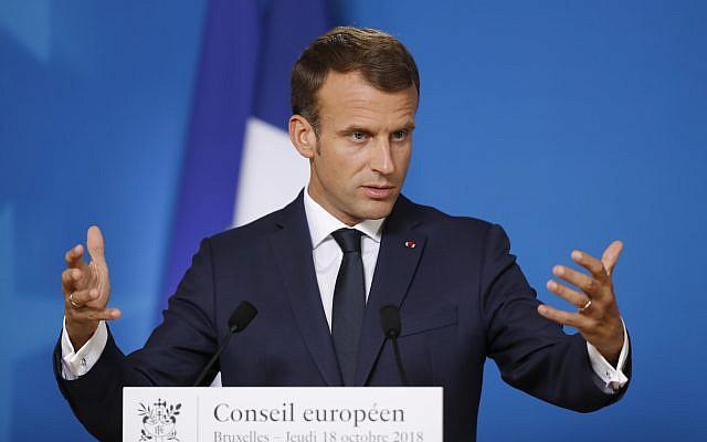 Le président français Emmanuel Macron s'exprime lors d'une conférence de presse lors d'un sommet européen à Bruxelles, le jeudi 18 octobre 2018. (Crédit : AP / Alastair Grant)