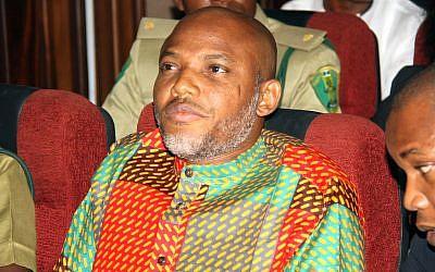 Le leader indépendantiste pro-Biafra Nnamdi Kanu, durant une audience au tribunal d'Abuja, au Nigeria, le 29 janvier 2016. (Crédit : AP/Archives)