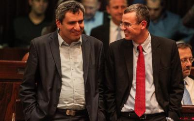 Benjamin Netanyahu et Arnon Mozes (Image composite: Flash90)