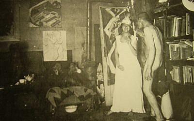 Ernst Ludwig Kirchner par lui-même, dans son studio de Berlin en 1915 (Crédit: domaine public)