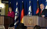 La chancelière allemande Angela Merkel,  à gauche, et le Premier ministre Benjamin Netanyahu pendant une conférence de presse conjointe à l'hôtel King David de Jérusalem, le 4 octobre 2018 (Crédit : Haim Zach/Government Press Office)