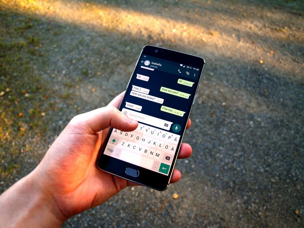 L'application cartonne après les nouvelles conditions de WhatsApp — Signal