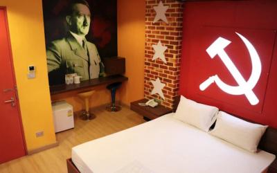 Photo de la chambre communiste du Villa Love Hotel à Bangkok, en Thaïlande. (Crédit :! Twitter via JTA)
