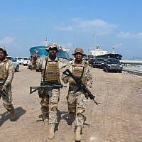 Des soldats de la coalition progouvernementale soutenue par l'Arabie saoudite, au sud d'Aden, au Yémen, le 29 octobre 2018. (Crédit : Saleh Al-OBEIDI / AFP)