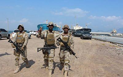 Des soldats de la coalition progrouvernementales soutenue par l'Arabie saoudite, au sud d'Aden, le 29 octobre 2018. (Crédit ! Saleh Al-OBEIDI / AFP)