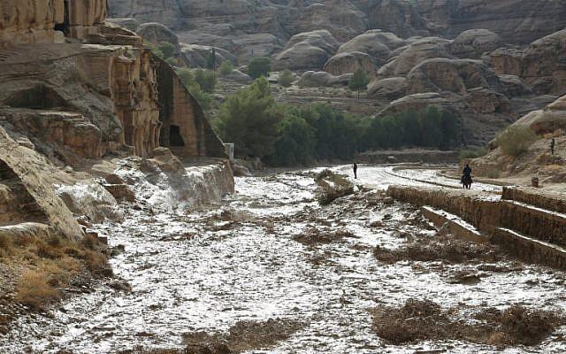 Les crues soudaines ont fait 12 morts à Pétra, en Jordanie, le 9 novembre 2018, (Crédit :  AFP)