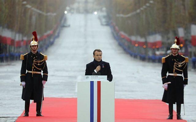 Le président français Emmanuel Macron prononce un discours  à l'occasion des cérémonies du centenaire de la Première guerre mondiale., le 11 novembre 2018. (Crédit : Ludovic MARIN / POOL / AFP)