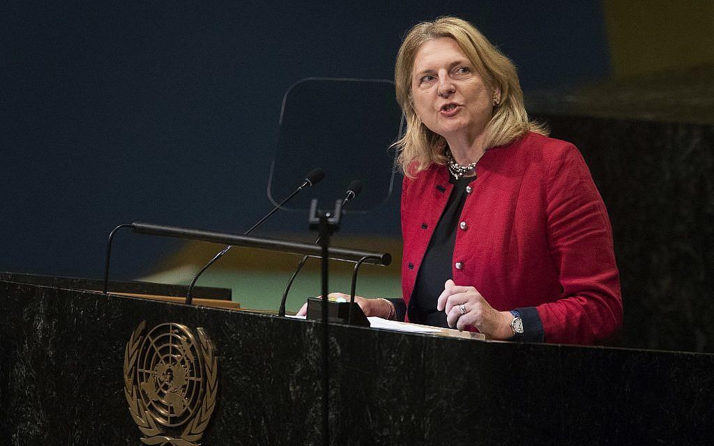 La ministre des Affaires étrangères  autrichienne Karin Kneissl à la 73e session de l'Assemblée générale de l'ONU à New York, le 29 septembre 2018 (Crédit : AP Photo/Mary Altaffer)
