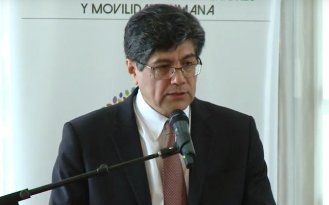 Le ministre équatorien des Affaires étrangères, Jose Valencia, a pris la parole le 9 novembre 2018 dans la capitale Quito, dans le but de rétablir Manuel Antonio Munoz Borrero au service diplomatique du pays. (Crédit : capture d'écran YouTube)