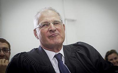 David Shomron à la cour de district de Jérusalem, le 15 juin 2016 (Crédit : Miriam Alster/Flash90)