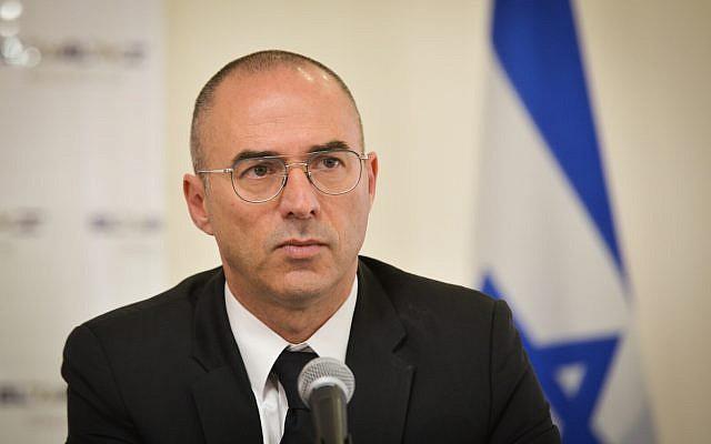 Gonen Usishkin, PDG d'El Al, assiste à une conférence de presse à Beit Sokolov à Tel Aviv, le 28 mars 2018 (Flash90)